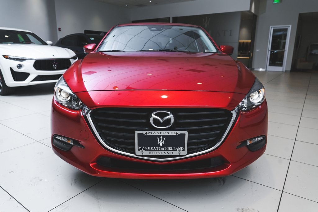 Pre-Owned 2018 Mazda3 Touring Base