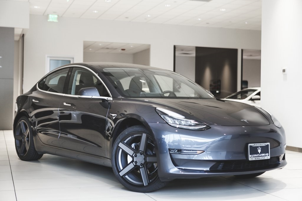Pre Owned Tesla >> Pre Owned 2018 Tesla Model 3 4d Sedan In Kirkland Jf008515